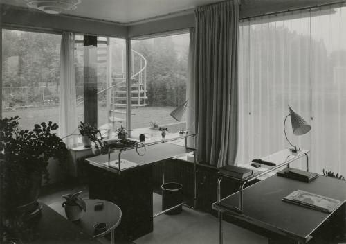 De studio. Foto Piet Zwart, 1933. Collectie Het Nieuwe Instituut. @ Piet Zwart / Nederlands Fotomuseum