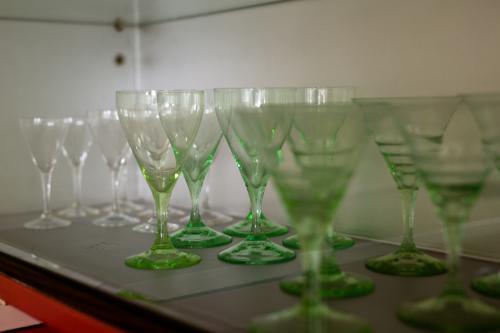 Drinkservies van K.P.C. de Bazel. Foto Johannes Schwartz