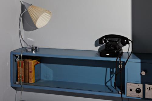 Kastje boven het bed in de slaapkamer van Puck. Foto Johannes Schwartz