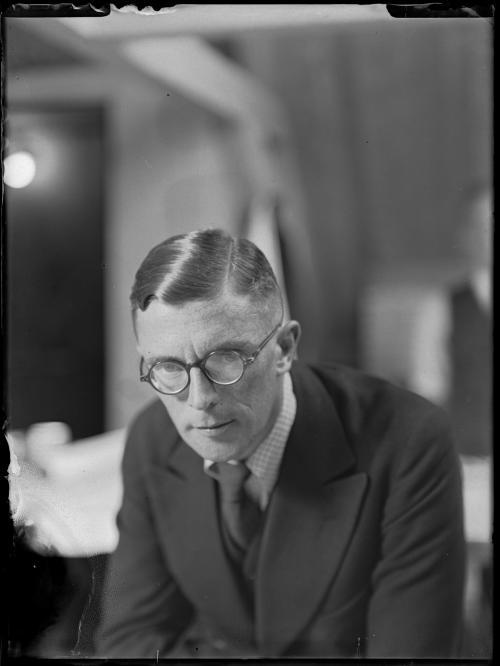 W.H. Gispen. Collectie Het Nieuwe Instituut. Verzameling glasnegatieven
