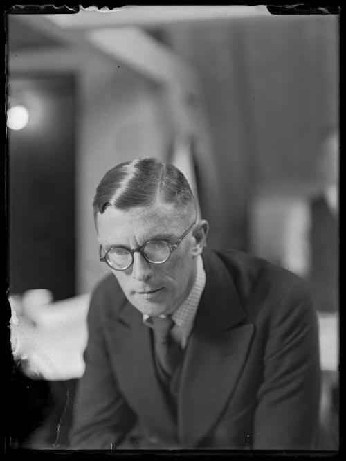W.H. Gispen. Collectie Het Nieuwe Instituut, Glasnegatievenverzameling.