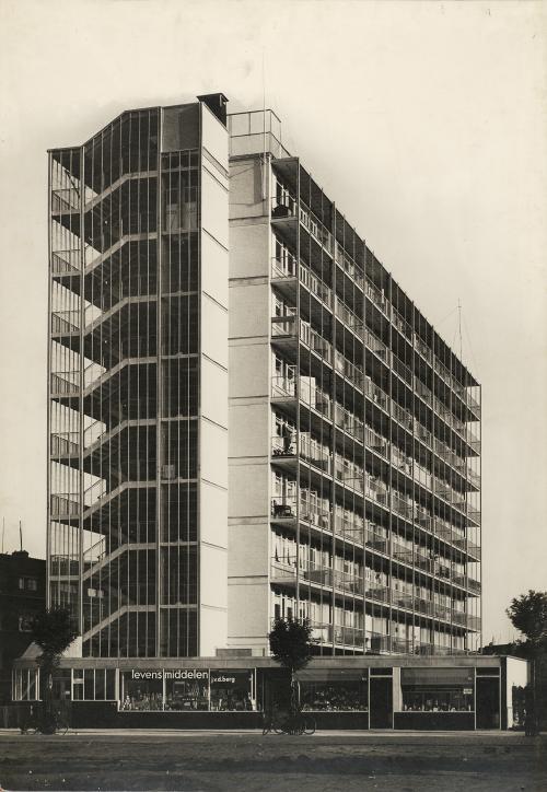 Van Tijen, Brinkman en Van der Vlugt. Bergpolderflat, Rotterdam. Collectie Het Nieuwe Instituut. TENT n172